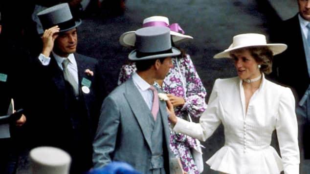 Lady Diana mit ihrem Ehemann Prinz Charles und ihrem geliebten Oliver Hoare