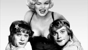 """Tony Curtis, Marilyn Monroe und Jack Lemmon in """"Manche mögen's heiß"""""""