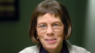 "Linda Hunt als ""NCIS Special Agent in Charge Henrietta ""Hetty"" Lange"" bei NCIS: L.A."