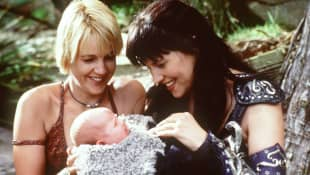 """Lucy Lawless und Renée O'Connor in """"Xena"""""""