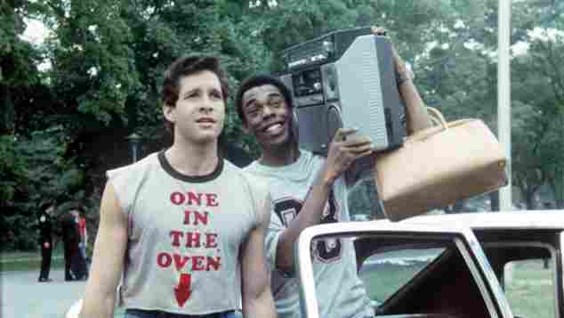 "Michael Winslow und Steve Guttenberg in ""Police Academy"" 1984"