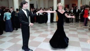 John Travolta und Lady Diana tanzen