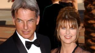 Mark Harmon und seine Frau Pam Dawber bei der Emmy Verleihung 2002