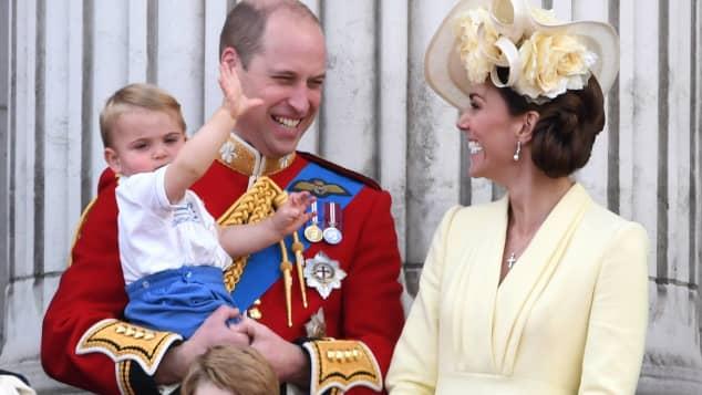 "o niedlich war Prinz Louis bei ""Trooping the Colour"""