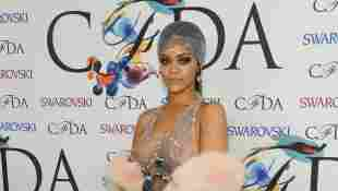 Rihanna Kleid nackt