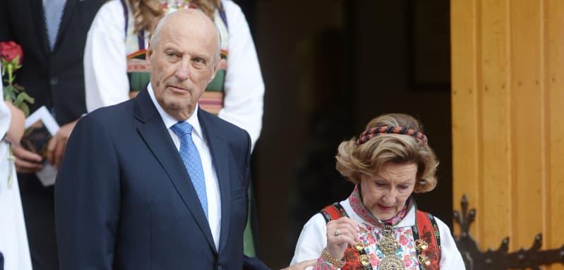 König Harald und Königin Sonja norwegen