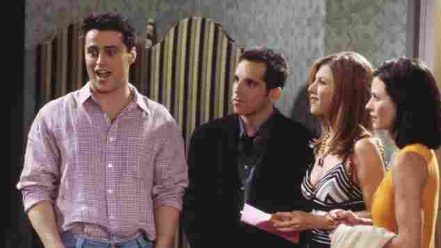 """Matt LeBlanc als Joey Tribbiani, Ben Stiller als Tommy, Jennifer Aniston als Rachel Green und Courteney Cox Arquette als Monica Geller in """"Friends"""""""