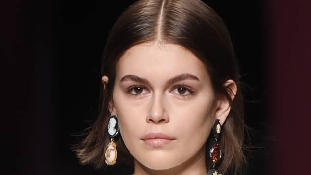 Kaia Gerber modelt auf der Mailänder Fashion Week 2020
