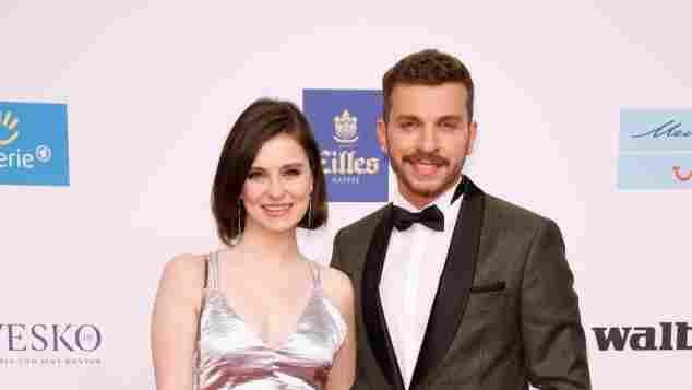 Natalia Rudziewicz und Edin Hasanovic bei der 53. Verleihung der Goldenen Kamera am 22. Februar 2018