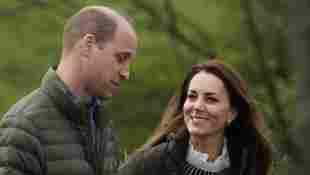 Herzogin William und Herzogin Kate bei ihrem Besuch des Bauernhofs Manor Farm am 27. April 2021