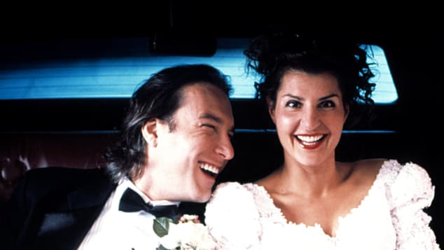 "John Corbett und Nia Vardalos im Film ""My Big Fat Greek Wedding"""