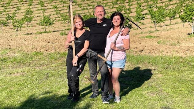 """Bauer sucht Frau International"": Ivica, Nevenka, Isolde"
