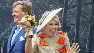 König Willem-Alexander Königin Máxima Königstag lächelt Spaß