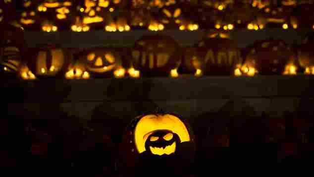 3000 leuchtende Kürbisse in London an Halloween am 31. Oktober 2014