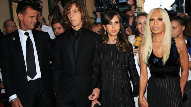 Die Kinder von Designerin Donatella Versace stehen nur selten in der Öffentlichkeit