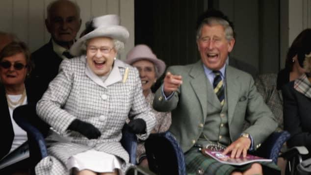 prinz charles queen elizabeth