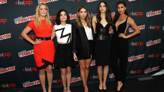"""Bei """"Pretty Little Liars"""" machten sich 5 Freundinnen auf die Jagd nach dem mysteriösen """"A"""""""