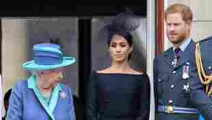 Königin Elisabeth, Herzogin Meghan und Prinz Harry im Buckingham Palace am 19. Juli 2018