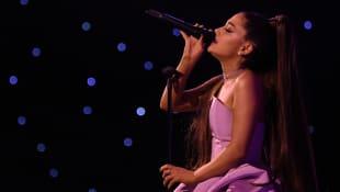 Ariana Grande Konzert fällt hin