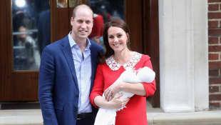 Prinz William und Herzogin Catherine mit Prinz Louis