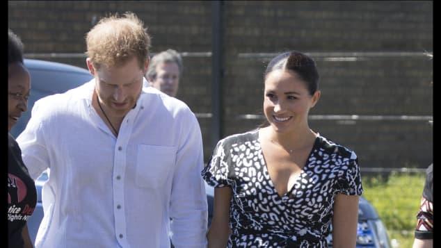 Herzogin Meghan Afrika Kleid Prinz Harry