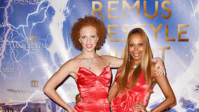 Anna Ermakova und Angela Ermakova bei der Remus Lifestyle Night 2019