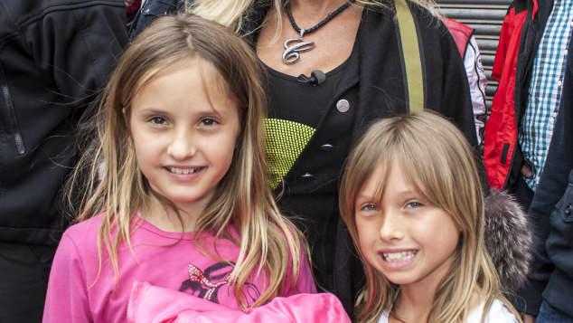 Carmen, Shania und Davina Geiss im Jahr 2013