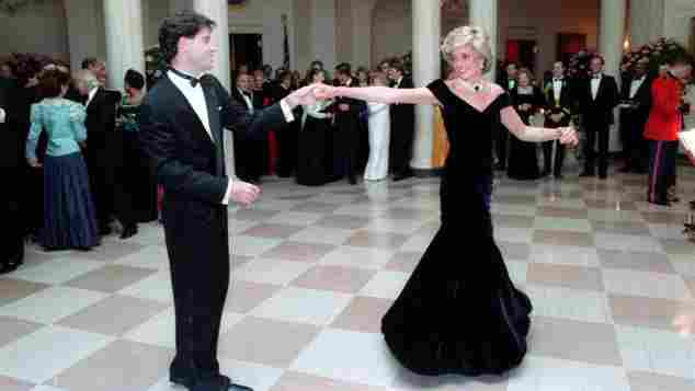 John Travolta und Lady Diana bei ihrem Tanz im Weißen Haus 1985