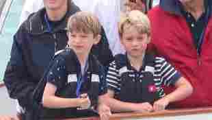 Prinz George unterstützt seine Eltern bei der Segelregatta