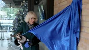 Herzogin Camilla und ihre Hundedame Beth