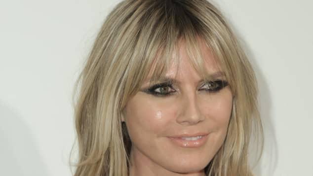 Heidi Klum zeigt sich in Leo-Unterwäsche