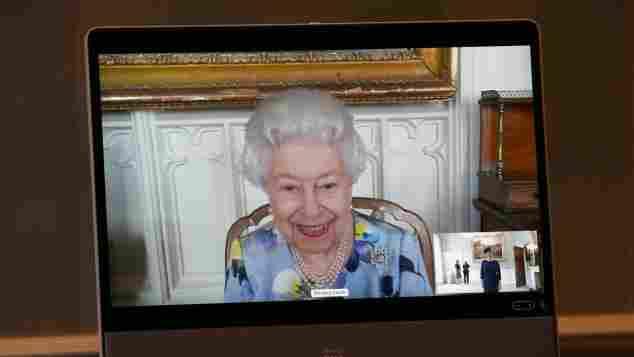 Königin Elisabeth II. bei ihrem ersten öffentlichen Termin nach dem Ende der Trauerzeit am 27. April 2021