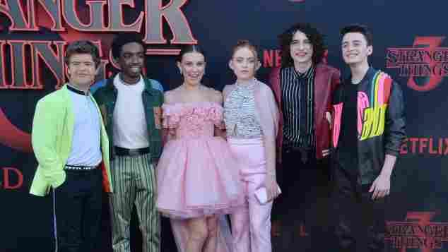 """Der Cast von """"Stranger Things"""" mit Gaten Matarazzo, Caleb McLaughlin, Millie Bobby Brown, Sadie Sink, Finn Wolfhard und Noah Schnapp am 28. Juni 2019"""