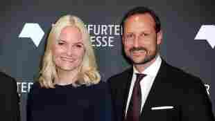 Mette-Marit und Prinz Haakon haben sich vor 20 Jahren verlobt