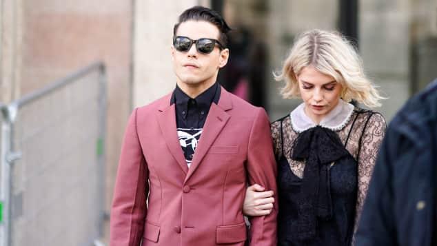 Queen Hauptdarsteller Rami Malek Und Lucy Boynton Sind Ein Paar