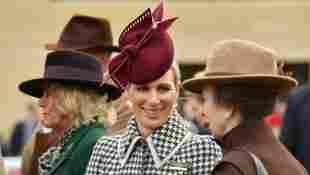 Zara Tindall, Prinzessin Anne und Herzogin Camilla beim The Cheltenham Festival am 11. März 2020