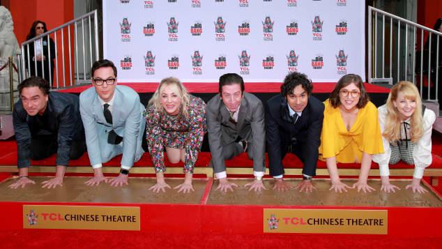 """Die Stars von """"The Big Bang Theory"""" werden in Los Angeles mit einem Denkmal geehrt"""