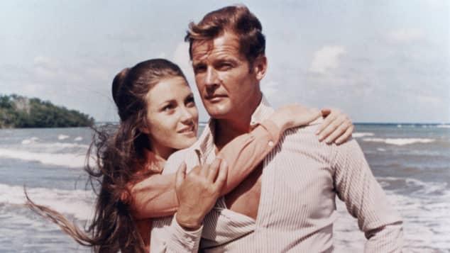 """Jane Seymour und Roger Moore in """"James Bond 007 – Leben und sterben lassen"""""""
