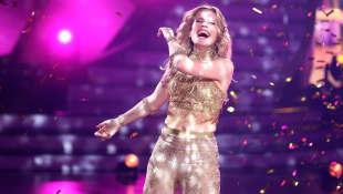 """""""Let's Dance"""": Ilse DeLange"""
