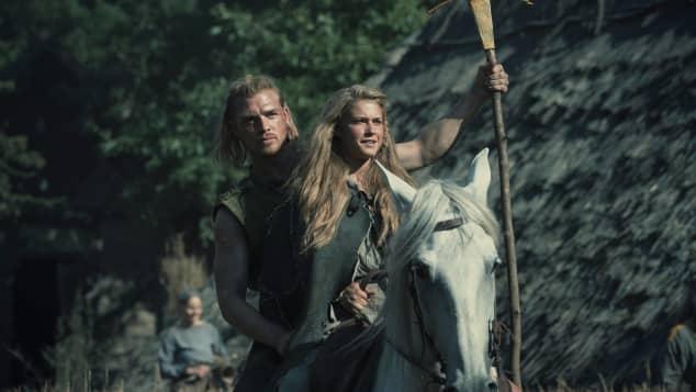 """David Schütter und Jeanne Goursaud in der deutschen Netflix-Produktion """"Barbaren"""""""