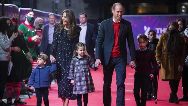 Herzogin Kate und Prinz William mit ihren Kindern
