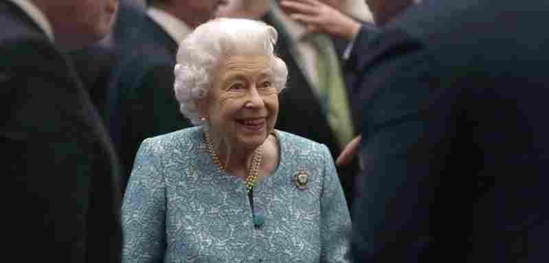 königin elisabeth spaß lustig lacht