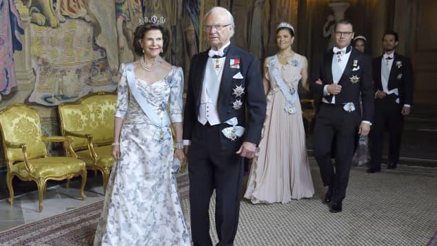 Königin Silvia, König Carl Gustaf, Prinzessin Victoria, Prinz Daniel schwedisches Königshaus Royals Schwedendinner