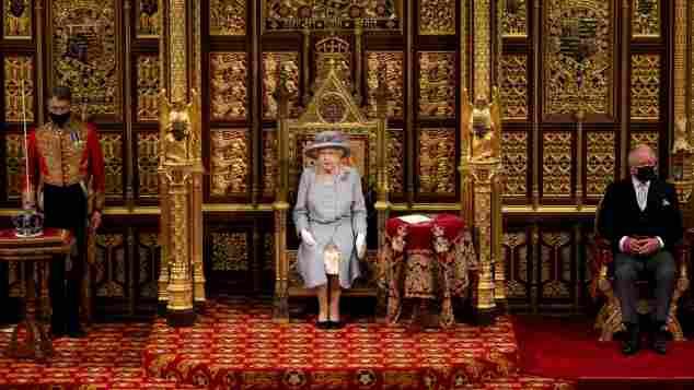 königin elisabeth parlamentseröffnung queen