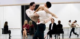 """Königin Máxima bei ihrem Besuch des """"Nederlands Dans Theater"""" in Den Haag"""
