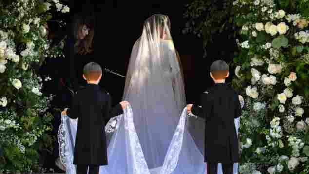 Meghan Markle zeigt ihr tolles Hochzeitskleid, Meghan Markle Hochzeitskleid