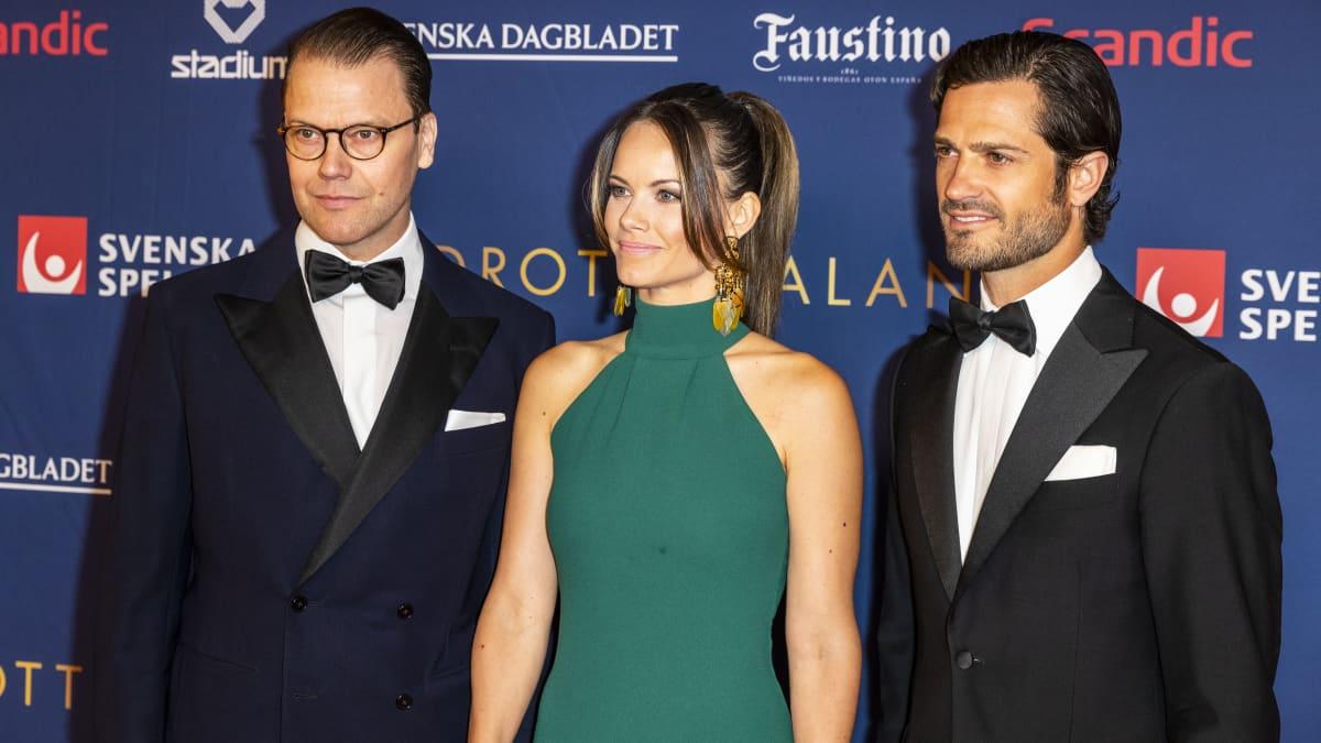 Ups, ein Fleck verschandelt Sofias schickes Kleid