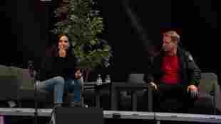 amira pocher knöpft sich oliver im podcast vor