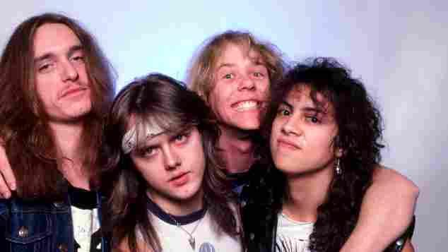 Cliff Burton, Lars Ulrich, James Hetfield und Kirk Hammett der Band Metallica am 1. Februar 1985 auf Tour