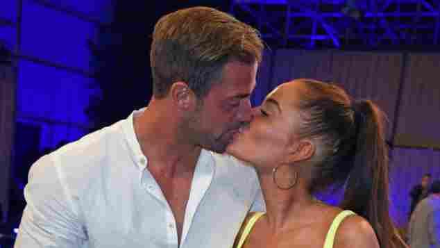 Promi Big Brother Janine Pink Tobi Wegener Paar verliebt